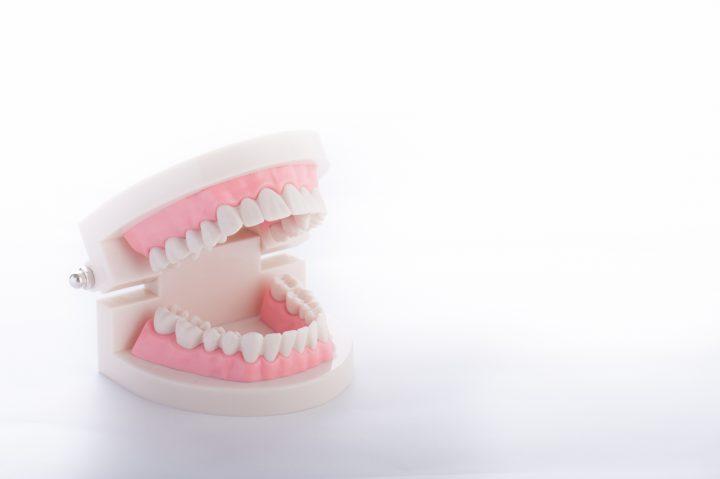 歯ぎしりが原因で痛みが出ることも!?その予防法とは